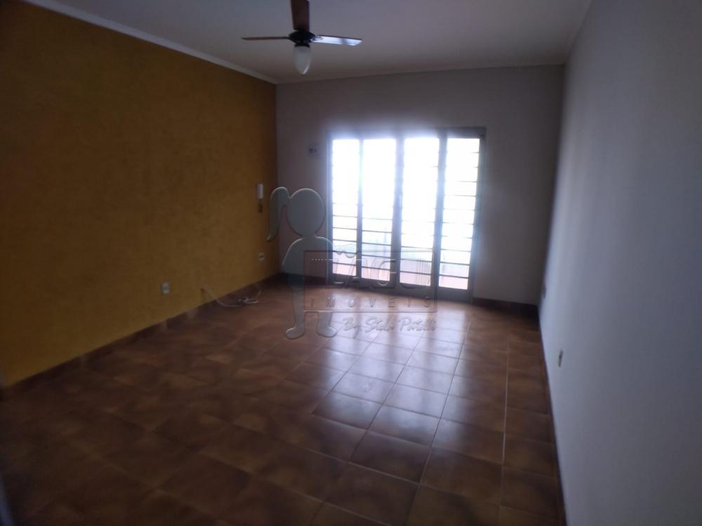 Alugar Casas / Padrão em Ribeirão Preto R$ 1.100,00 - Foto 2