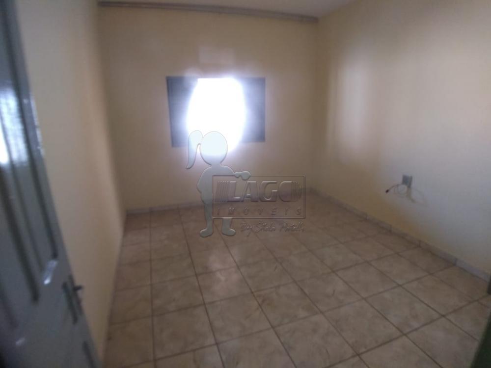 Alugar Casas / Padrão em Ribeirão Preto R$ 900,00 - Foto 4