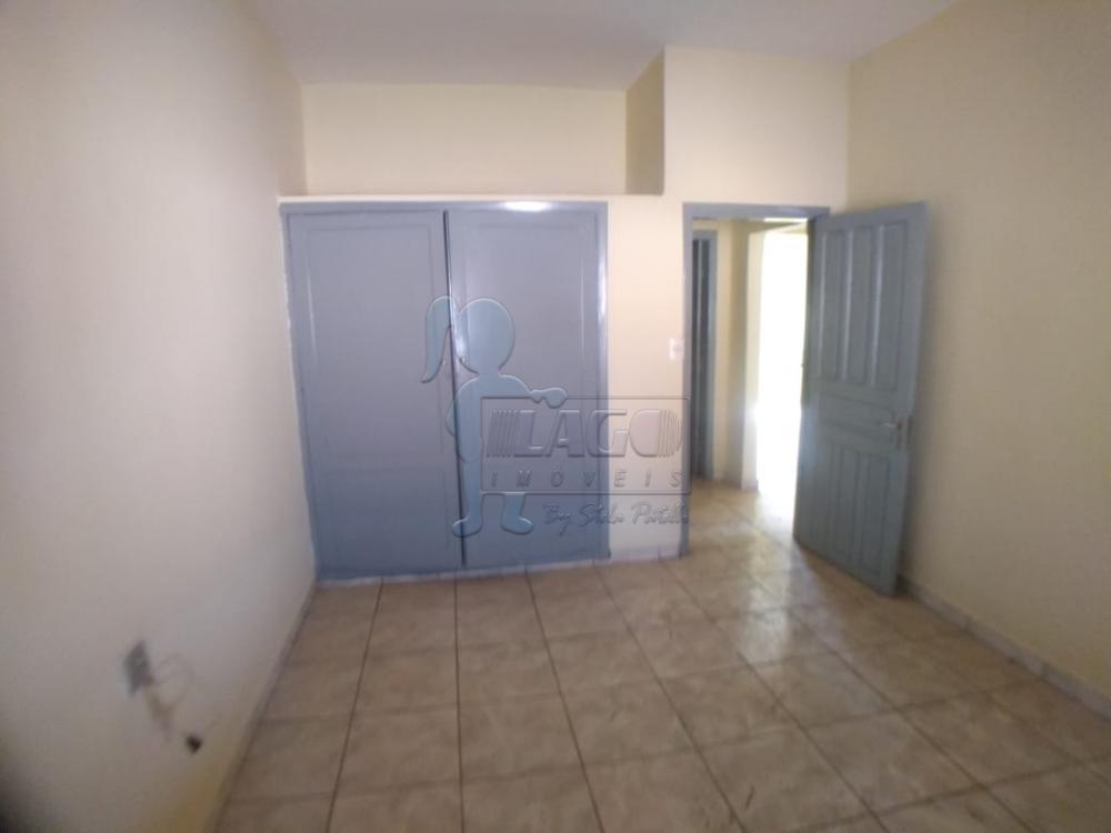 Alugar Casas / Padrão em Ribeirão Preto R$ 900,00 - Foto 3