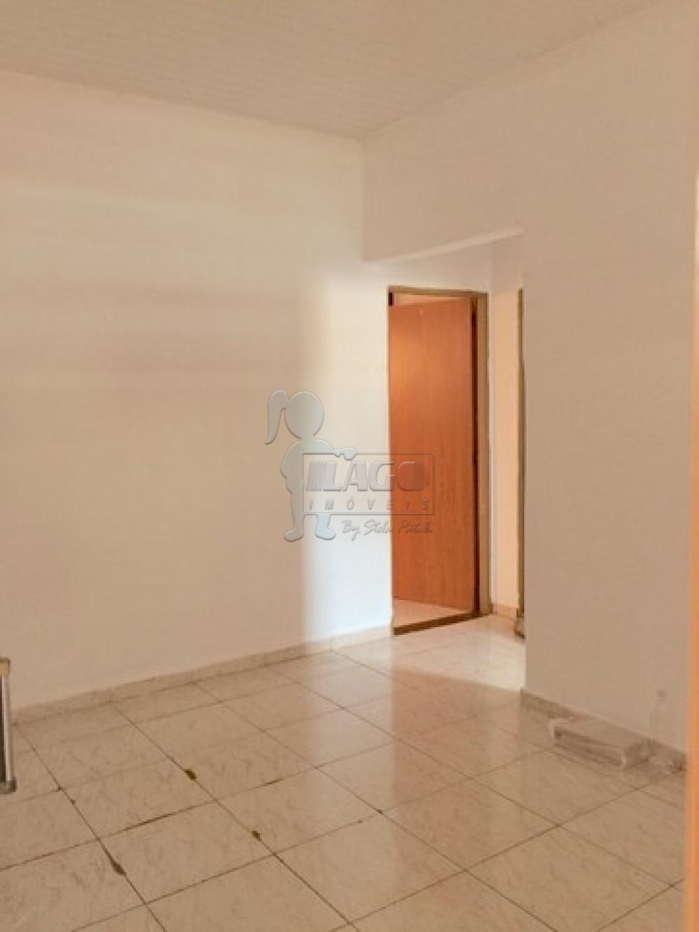 Comprar Casas / Padrão em Ribeirão Preto R$ 180.000,00 - Foto 4