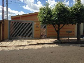 Alugar Casas / Padrão em Ribeirão Preto. apenas R$ 800,00