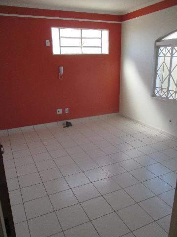 Alugar Comercial / Sala Comercial em Ribeirão Preto. apenas R$ 750,00
