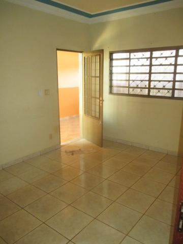 Alugar Casas / Padrão em Ribeirão Preto apenas R$ 900,00 - Foto 3