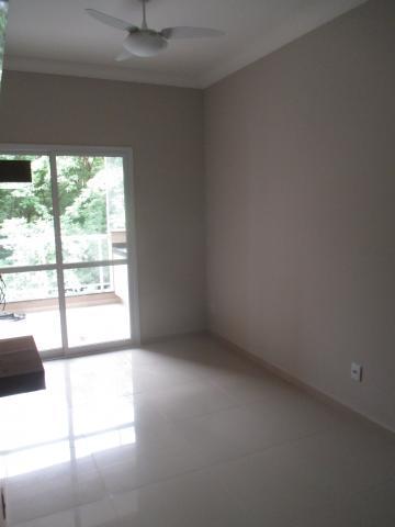 Apartamento / Padrão em Ribeirão Preto Alugar por R$1.700,00