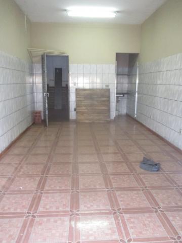 Comercial / Salão/Galpão em Ribeirão Preto Alugar por R$600,00