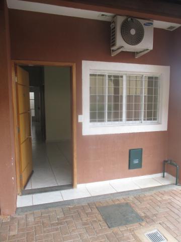 Casas / Condomínio em Ribeirão Preto Alugar por R$1.550,00