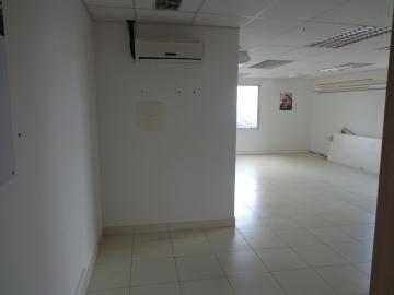 Comercial / Sala Comercial em Ribeirão Preto Alugar por R$4.000,00