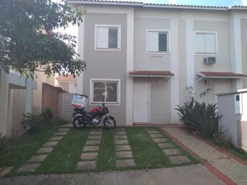 Casas / Condomínio em Ribeirão Preto Alugar por R$1.800,00