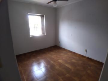 Alugar Casas / Padrão em Ribeirão Preto R$ 1.100,00 - Foto 3