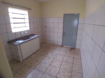 Alugar Casas / Padrão em Ribeirão Preto R$ 900,00 - Foto 6