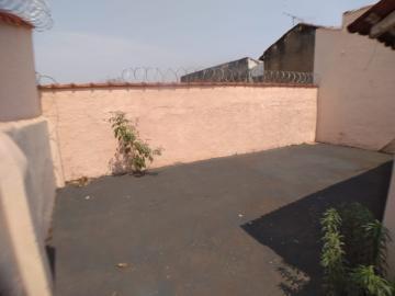 Alugar Casas / Padrão em Ribeirão Preto R$ 900,00 - Foto 10