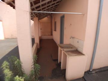 Alugar Casas / Padrão em Ribeirão Preto R$ 900,00 - Foto 7