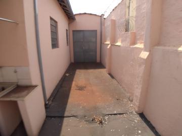 Alugar Casas / Padrão em Ribeirão Preto R$ 900,00 - Foto 8